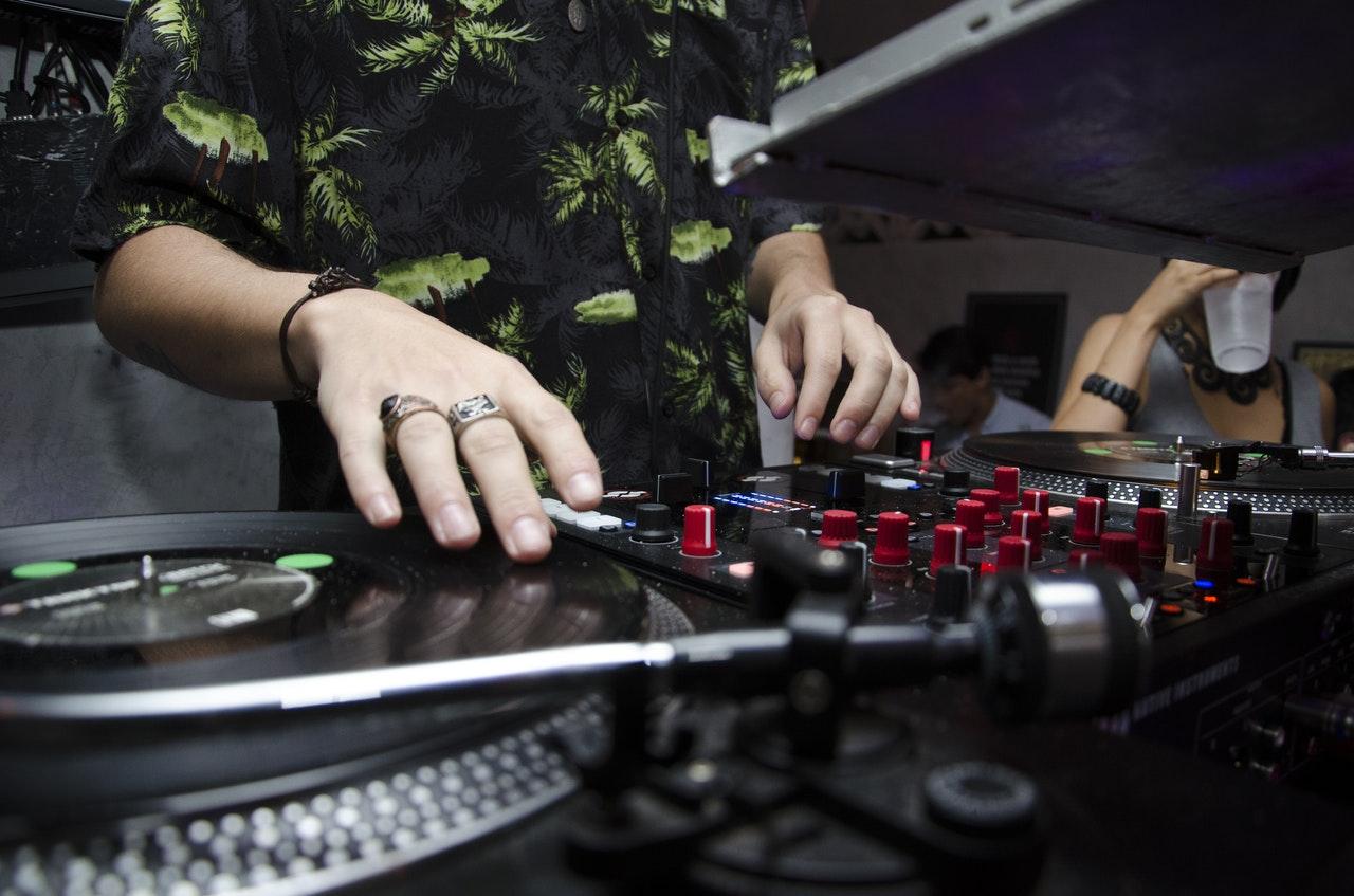 muzyka-na-impreze-firmowa